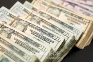 Dólar abrindo em alta no início dos negócios
