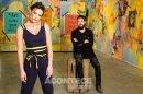 O artista brasileiro Tiago Magro faz instalação de arte durante a quarentena